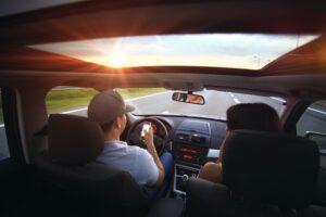 שימוש בטלפון הנייד בזמן הנהיגה